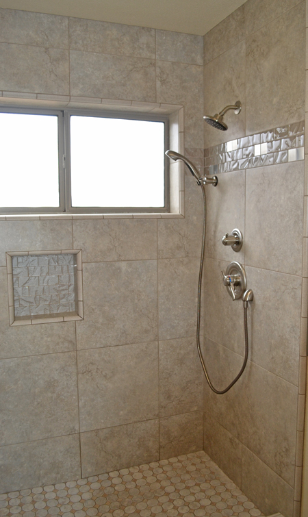 Shower Surround With Glass Tile Details