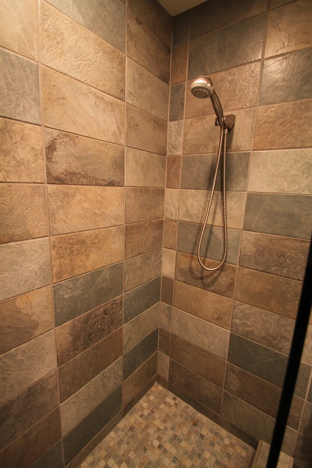 Casa Dolce Casa Flagstone Green Shower