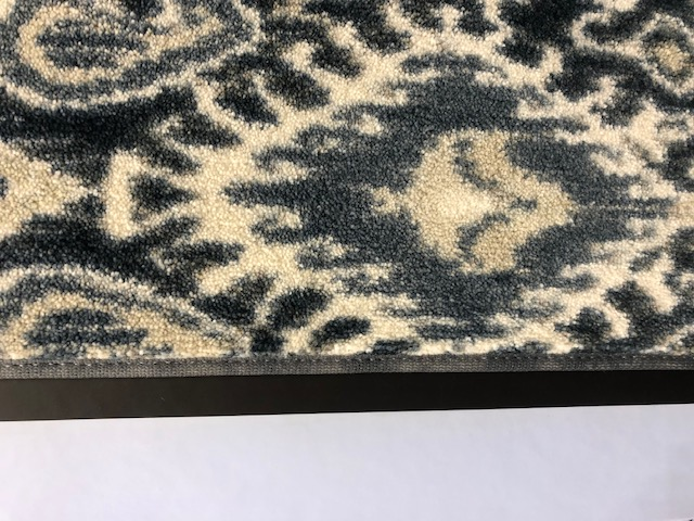 Carpet Binding of clean, new carpet